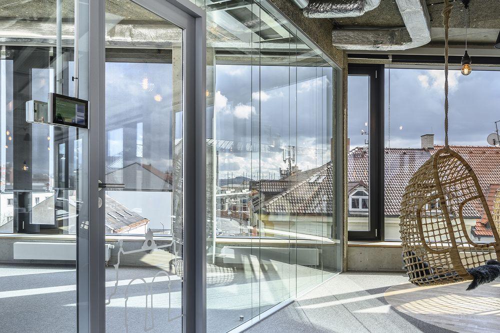 Moderní kanceláře Aimtec v Plzni